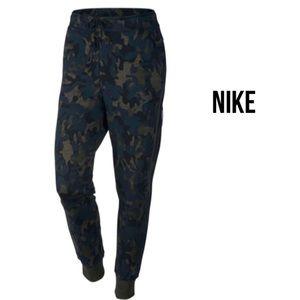 Nike Tech Fleece Camo Printed Womens Joggers XS